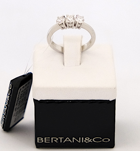 Anello Trilogy Bertani & Co. ref.593/159/1  oro bianco e diamanti  0,702  G  VS1